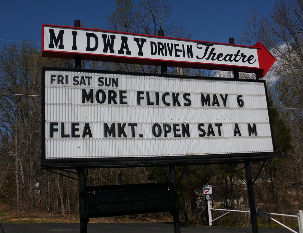 Swingin midway drive in theater for Drive in movie theaters still open