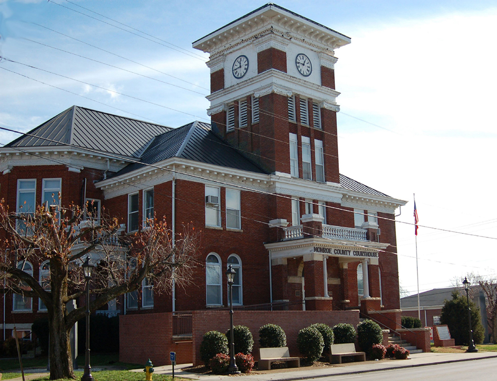 Monroe County Courthouse Madisonville-TN